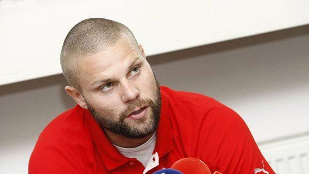 Fotbalista David Bystroň.