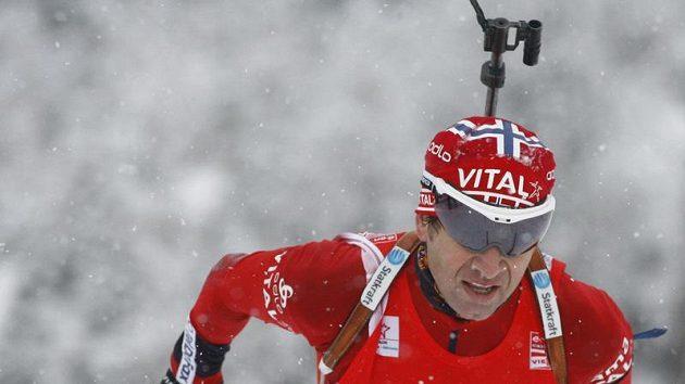 Norský biatlonista Ole Einar Björndalen v Hochfilzenu