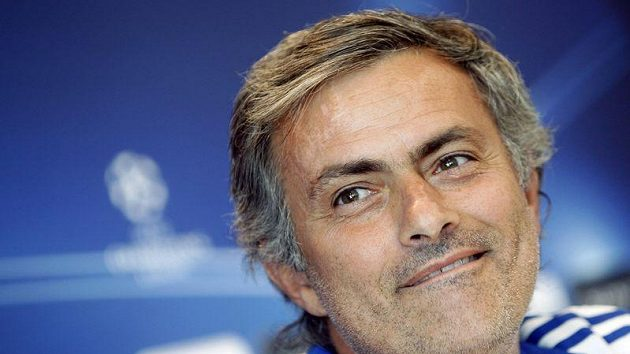 Trenér Realu Madrid José Mourinho bude svému týmu dva zápasy chybět