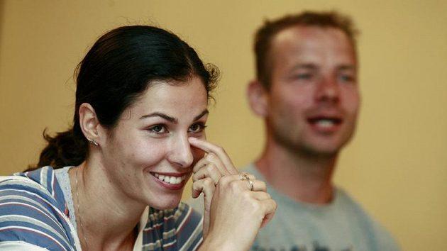 Bývalá tyčkařka Kateřina Baďurová s přítelem a bývalým výškařem Tomášem Janků.