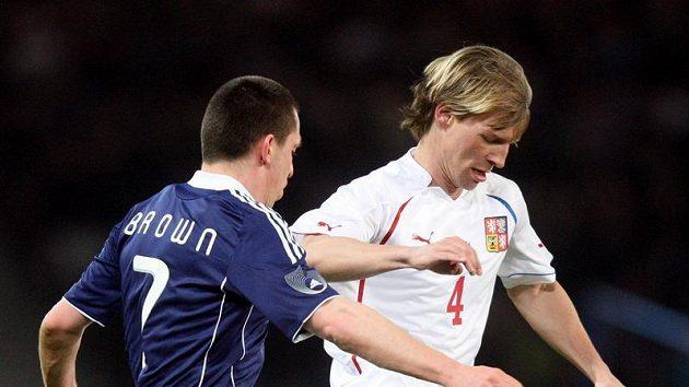 Jan Rajnoch (vpravo) v souboji se skotským Scottem Brownem.