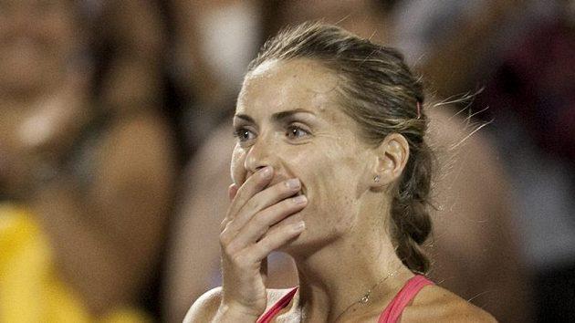 Překvapení ve tváři Ivety Benešové po vyřazení Jeleny Jankovičové. O den později česká tenistka v Montrealu potupně podlehla Marion Bartoliové.