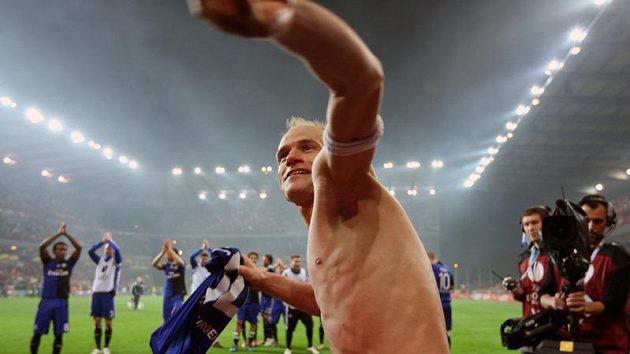 David Jarolím byl donedávna v Hamburku kapitánem, pod novým koučem ale odehrál jen pár minut.