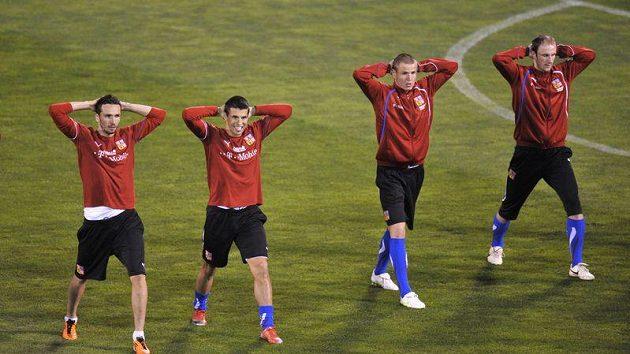Čeští fotbalisté na tréninku ve španělské Granadě. Zleva Tomáš Sivok, Milan Baroš, Adam Hloušek a Roman Hubník.