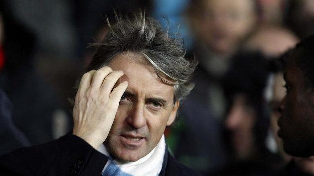 Trenér Manchesteru City Roberto Manchini se stal terčem kritiky fanoušků
