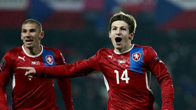 Václav Pilař oslavuje gól vstřelený Černé Hoře.