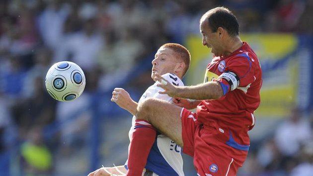 Nad startem kapitán Brna Tomáše Polácha (vpravo) se vznášel před moravským derby otazník.
