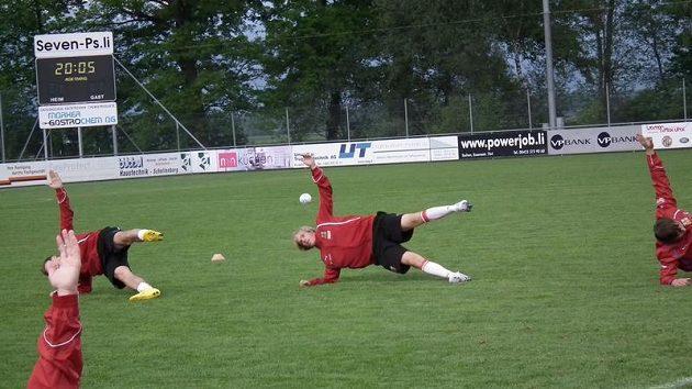 Tomáš Kalas během tréninku fotbalové sedmnáctky.