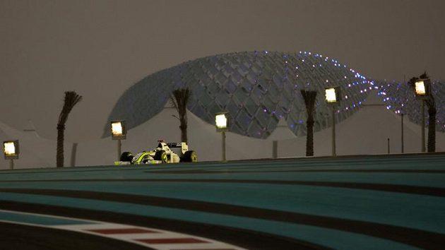 Pilot Brawnu Jenson Button v Abú Zabí