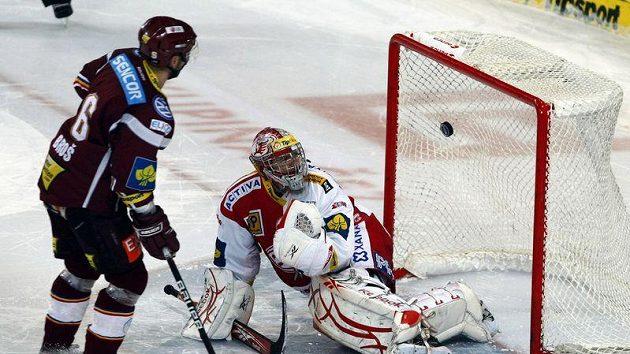 Úspěšný nájezd Michala Broše rozhodl o vítězství Sparty nad Slavií.