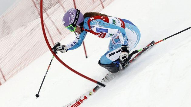 Česká lyžařka Šárka Záhrobská při slalomu Světového poháru ve Zwieselu.