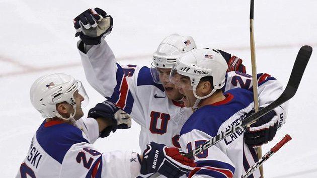 Radost hokejistů USA