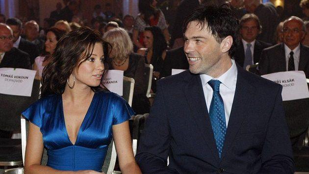 Jaromír Jágr s přítelkyní Innou na vyhlášení Zlaté hokejky