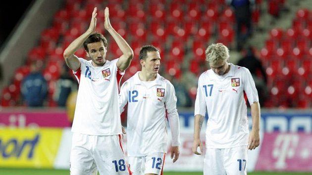 Tomáš Sivok (vlevo), Zdeněk Pospěch (uprostřed) a Tomáš Hübschman po utkání se Severním Irskem