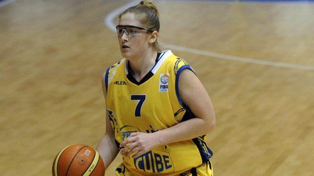 Lindsay Whalenová z USK Praha v utkání Evropské ligy basektbalistek proti Chorzóvu.