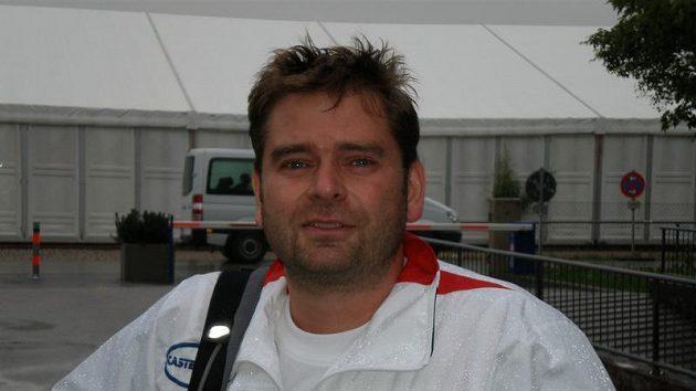 Střelec Martin Strnad po závodu v dešti