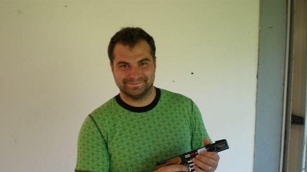 Josef Fiala odjížděl z Bělehradu spokojený, získal týmové zlato v rychlopalbě a stříbro ve velkorážním revolveru.