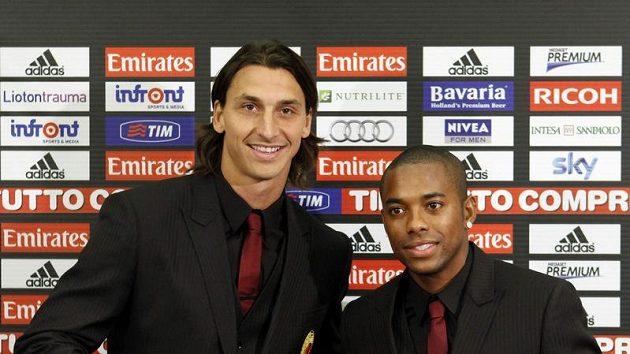 AC Milan představil dvě nové posily - Zlatana Ibrahimovice (vlevo) and Robinha.