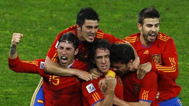 Španělští fotbalisté sbírají i na klubové úrovni jeden titul za druhým.