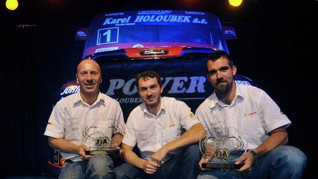 Členové truckového týmu Buggyra (zleva) technický ředitel Mario Kress, mistr Evropy David Vršecký a manažer týmu Jan Kalivoda.