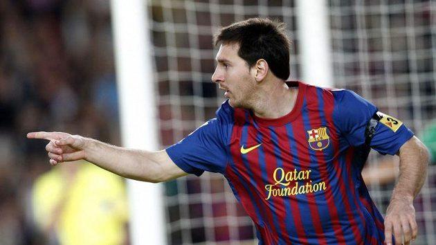 Střelec Barcelony Lionel Messi se raduje z jedné z branek do sítě Santanderu.