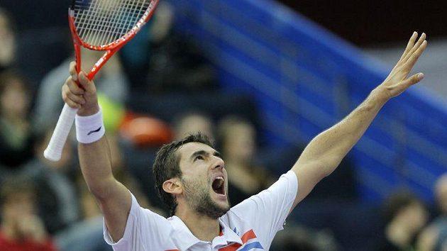 Chorvatský tenista Marin Čilič se raduje