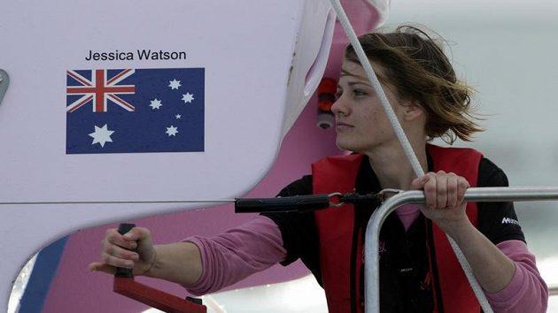 Jessica Watsonová na své lodi.