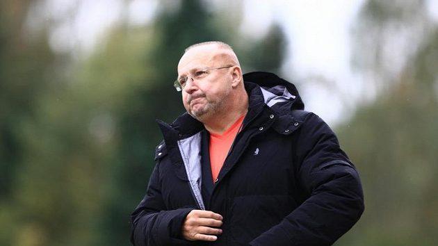 Majitel fotbalové Příbrami Jaroslav Starka usedl v den svých pětapadesátin na lavičku a radoval se z výhry.