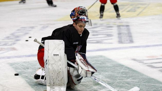 Jakub Štěpánek (na archivním snímku při tréninku hokejové reprezentace) chyběl v brance Petrohradu už třetí zápas v řadě.