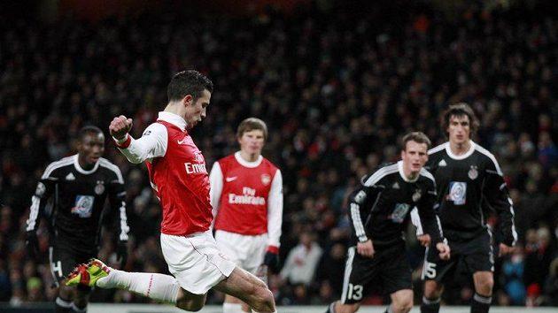 Fotbalista Arsenalu se ve šlágru kola utkají na Old Trafford s Manchesterm United.