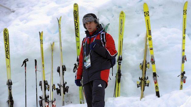 Trenér skokanů David Jiroutek.