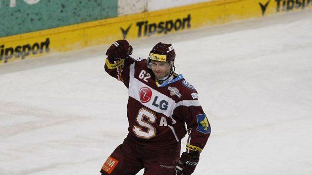 Útočník Petr Tenkrát je druhým nejproduktivnějším hráčem Sparty.