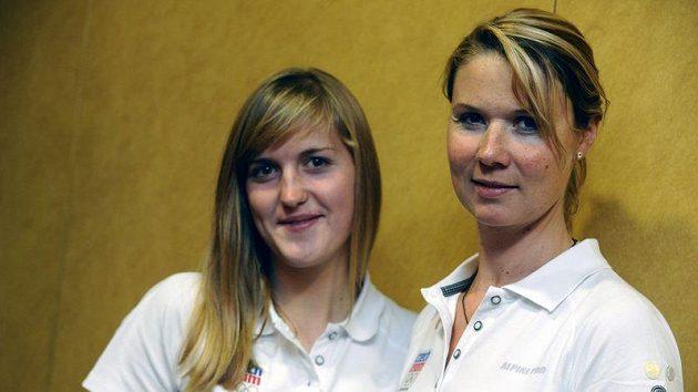 Veslařka Denisa Čvančarová (vlevo)