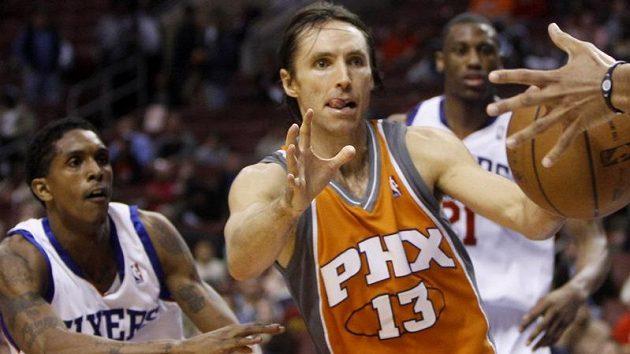 Basketbalista Phoenixu Steve Nash