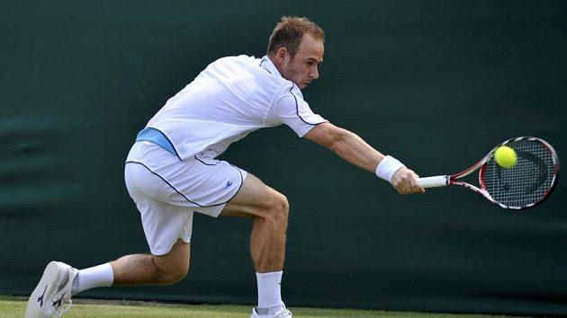 Izraelský tenista Dudi Sela během druhého kola Wimbledonu
