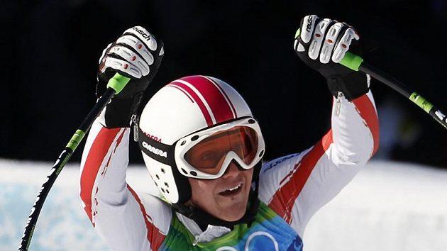 Rakušanka Fischbacherová se stala překvapivou vítězkou superobřího slalomu.