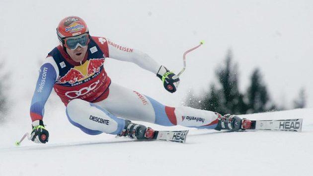 Švýcarský lyžař Didier Cuche během sjezdu v Kitzbühelu - ilustrační foto
