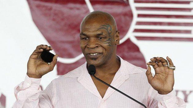 Mike Tyson při své děkovné řeči krátce po zařazení do Síně slávy