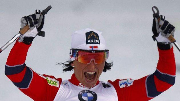 Norka Marit Björgenová míří za triumfem ve finále SP.