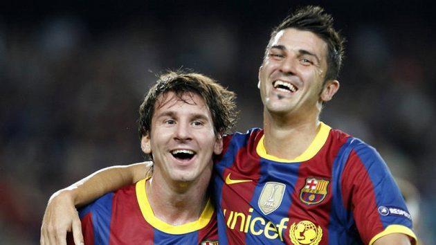 Malý velký muž. Lionel Messi (vlevo) s Davidem Villou.