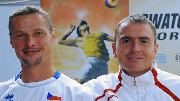 Petr Beneš s Přemyslem Kubalou (vlevo) skončili sedmnáctí.