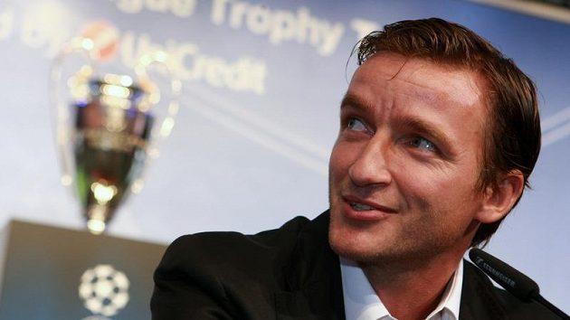 Před třinácti lety se Vladimír Šmicer zasloužil o vítězství na Kirin cupu, teď bude dávat dohromady reprezentační celek.