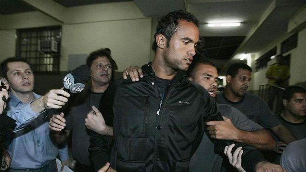Gólman Flamenga Bruno de Souza před výslechem na policii.