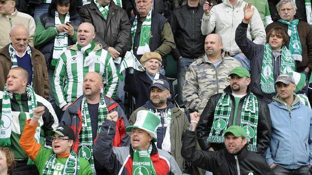 Zklamaní a hlavně naštvaní fanouškové Bohemians 1905. Přišli na derby, které se nakonec nehrálo.