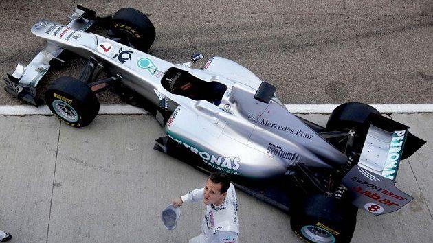 Michael Schumacher s vozem stáje Mercedes