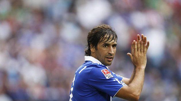 Raúl Gonzáles v dresu Schalke 04.