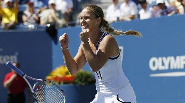 Slovenská tenistka Dominika Cibulková se raduje z vítězství nad Světlanou Kuzněcovovou v osmifinále US Open.
