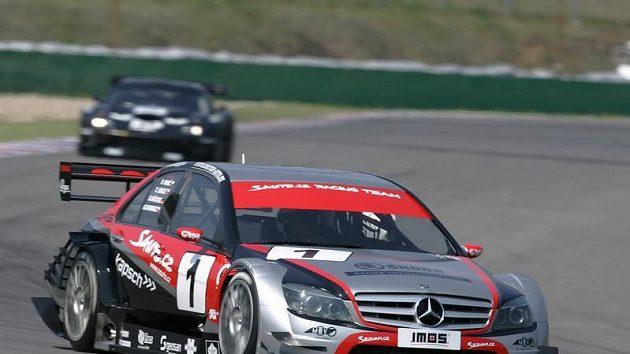 Vůz Sauto.cz Racing Team na Mezinárodním mistrovství ČR v závodech automobilů na okruzích