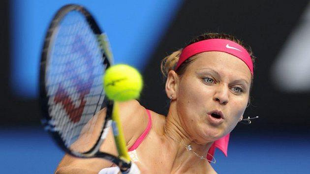 Lucie Šafářová během zápasu 3. kola proti Rusce Zvonarevové.