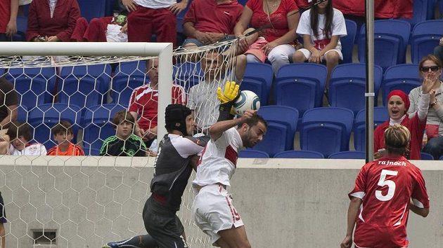 Brankář Petr Čech se do kritiky spoluhráčů nepustil.
